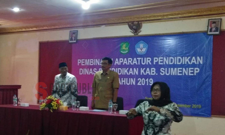 Kepala Dinas Pendidikan Sumenep saat hadiri pembinaan para pengawas di hotel utami