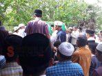 Saat ratusan warga Dasuk antarkan jenazah KH. Ma'mum Marzuki