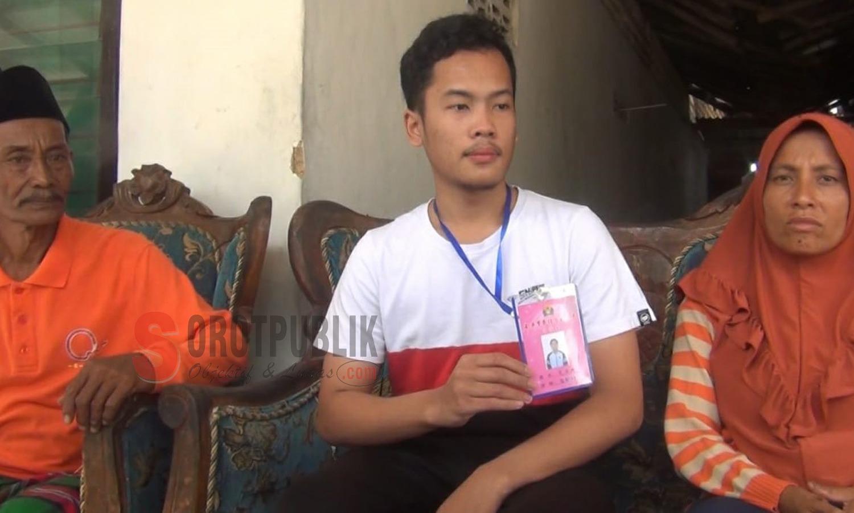 Naufal di dampingi kedua orang tuanya, saat wawancara dengan sejumlah awak media