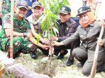 Secara simbolis lokasi yang ditanami 2001 pohon yaitu Kecamatan Karangbinangun.