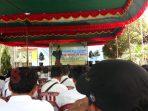 Kepala Dinas Pendidikan Sumenep saat sambutan di SDN Kerta Barat, Kecamatan Dasuk