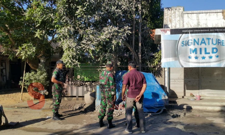 Semburan diduga gas keluar dari lahan yang sedang dibor milik anggota Koramil 0827/03 Manding di Desa Manding Laok, Kecamatan Manding, Sumenep