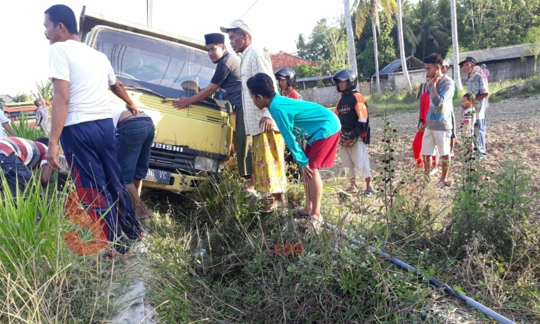 Mobil Truk Pengangkut Batu Alami Kecelakaan di Jalur Pantura Sumenep