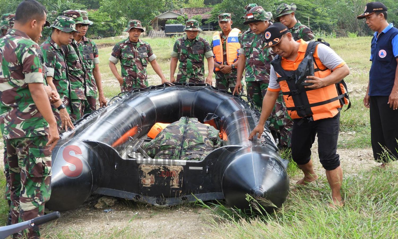 Yonarmed 12 Divif 2 Kostrad gelar latihan penanggulangan bencana alam